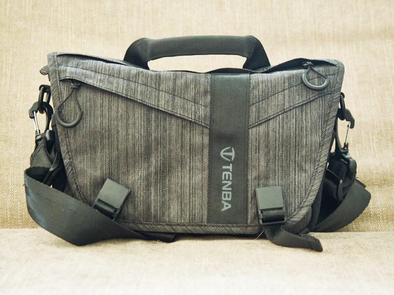 Denba DNA 8 Messenger Bag