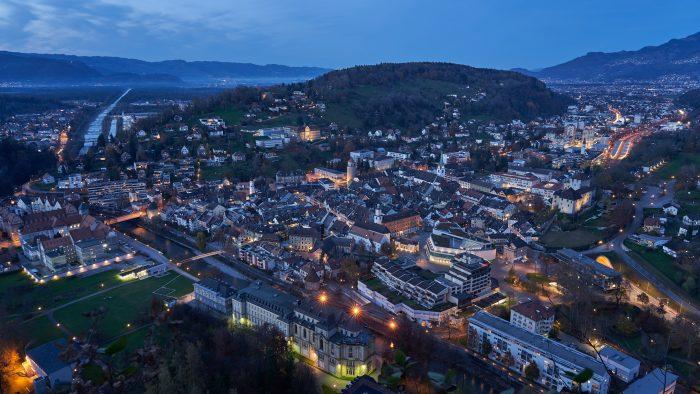 Feldkirch in blauer Stunde | Sony A7 III | Sony 24–105mm f4 | 24mm | f/8 | 6sec | ISO-100